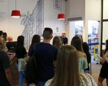 UCPel recebe novos alunos com tour informativo na volta às aulas